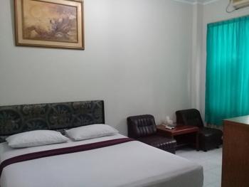 Hotel SM Cibitung Bekasi - Deluxe  Regular Plan