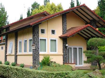 Villa ChavaMinerva Istana Bunga - Lembang Bandung