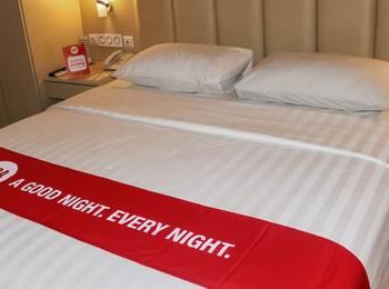 NIDA Rooms Railway Medan Merdaka Square - Double Room Single Occupancy Special Promo