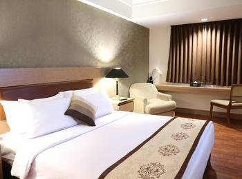 Horison Arcadia Mangga Dua Jakarta - Deluxe Double Bed Deal Of The day
