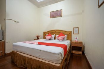 OYO 1173 Hotel Shofa Marwah Palembang - Deluxe Double Room Regular Plan