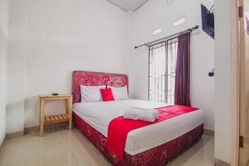 RedDoorz Syariah near Universitas Lampung 2 Bandar Lampung - RedDoorz Room Best Deal