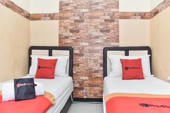 RedDoorz near Stasiun Kota Baru Malang Malang - RedDoorz Twin Room LMD