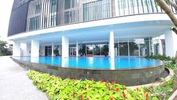 Spacious 2BR Satu8 Residence near Puri Mall By Travelio