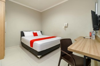 RedDoorz @Mangga Besar 2 Jakarta - RedDoorz Room 24 Hours Deal