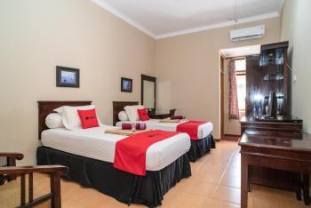 RedDoorz Plus near Jalan Ahmad Yani Banjarmasin 2 Banjarmasin - RedDoorz Twin Room with Breakfast Breakfast