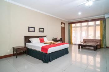 RedDoorz Plus near Jalan Ahmad Yani Banjarmasin 2 Banjarmasin - RedDoorz Suite with Breakfast Breakfast