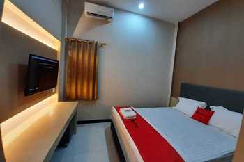 RedDoorz near Universitas Muhammadiyah Purwokerto Banyumas - RedDoorz Room Best Deal