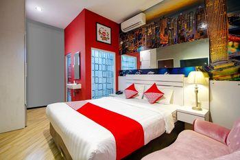 OYO 1057 Premier Guest House Yogyakarta - Suite Double Regular Plan