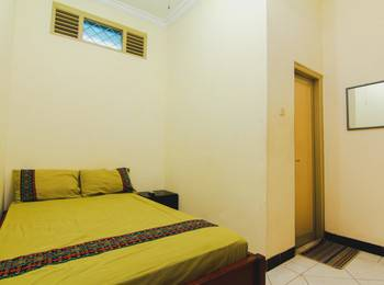 Griya Batik Giri Sekar Homestay Syariah Yogyakarta - Double Room Only MINIMUM STAY 2 NIGHTS