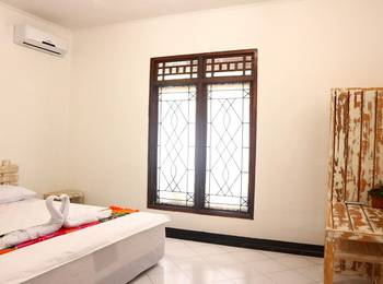 Lombok Escape Homestay Lombok - Deluxe Queen Room Regular Plan