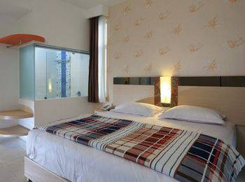 Dewarna Hotel Malang - Deluxe Gold Regular Plan