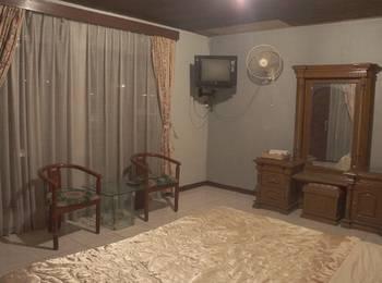 Villa Mas Inn Puncak - Deluxe Balcony(1 King Bed) Regular Plan