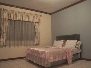 Villa Mas Inn Puncak - Superior (1 Queen Bed) Regular Plan