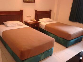 Hotel Fortuna Surabaya - Standard Twin Regular Plan