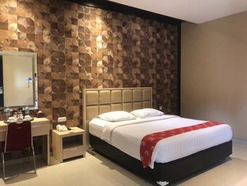 New Surya Hotel Banyuwangi - Deluxe Room Only Regular Plan