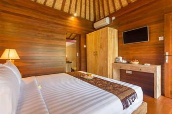 Yana Villa Kemenuh Bali - Joglo Room Regular Plan