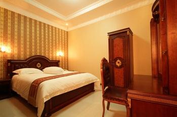 Dmonty Hotel Padang Syariah Padang - Standard Room Regular Plan