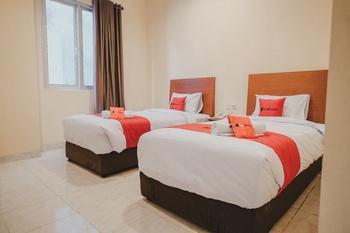 RedDoorz Plus near Plaza Blok M Jakarta - RedDoorz Twin Room Basic Deal