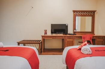 RedDoorz Plus near Plaza Blok M Jakarta - RedDoorz Twin Room with Breakfast Regular Plan