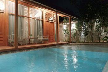 Ayom Java Village Solo Solo - Manik Villa with Private Pool Regular Plan