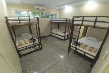Homestay Bonsai Surf House Padang - Dorm Tory 2 Regular Plan