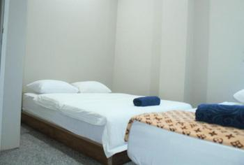 Homestay Bonsai Surf House Padang - Cozy Chill 8 Regular Plan