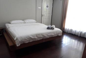Homestay Bonsai Surf House Padang - Mother Sweet 1 Regular Plan