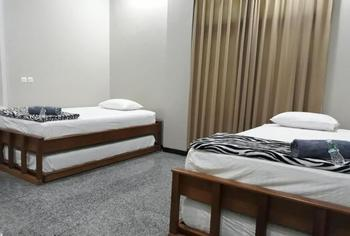 Homestay Bonsai Surf House Padang - Da Fam 4 Regular Plan