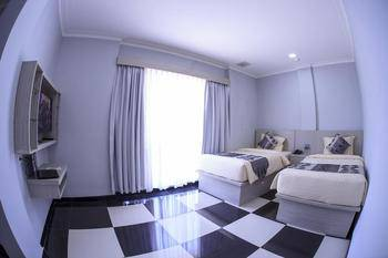 Aquatel Hotel Pekanbaru - Deluxe Twin Regular Plan