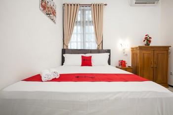 RedDoorz near Sanan Malang Malang - RedDoorz Room with Breakfast  Regular Plan
