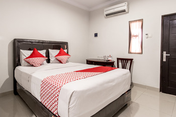 OYO 283 Helvetia Residence Medan - Standard Double Limited Time Deal