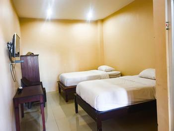 Homestay Putra Mas Kupang - Superior Twin Room Regular Plan