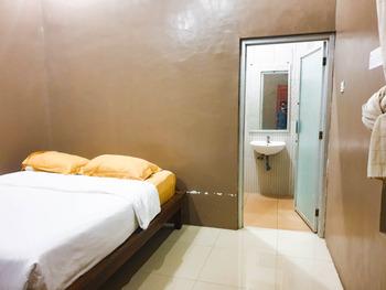 Homestay Putra Mas Kupang - Standard Room Regular Plan