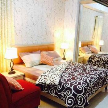 Apartment Green Lake View Ciputat by Celebrity Room Tangerang Selatan - Studio Room Only NRF Min 2N, 40%