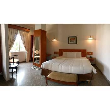 Sahira Butik Hotel Bogor - Royal Suite Room Regular Plan