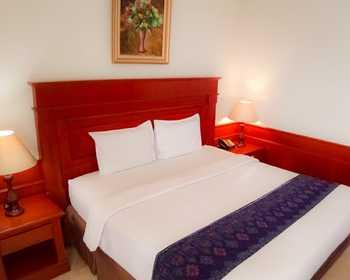 Sahira Butik Hotel Bogor - Deluxe Double Room Regular Plan