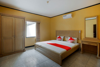 Capital O 3094 Hotel Cleopatra Sukabumi - Two Bedrooms Villa Regular Plan