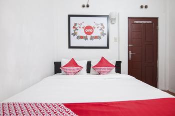 OYO 581 Serdika Pavilion Karo - Standard Double Room Regular Plan