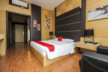 RedDoorz Premium @ Ciumbuleuit Atas Bandung - RedDoorz Deluxe Room Weekday Promotion