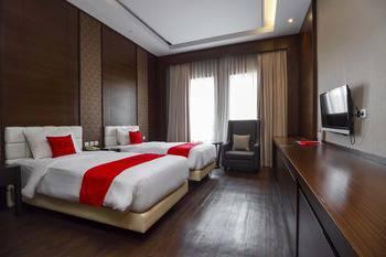RedDoorz Premium @ Ciumbuleuit Atas Bandung - RedDoorz Deluxe Room with Breakfast Regular Plan