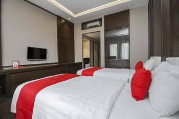 RedDoorz Premium @ Ciumbuleuit Atas Bandung - RedDoorz Room with Breakfast Regular Plan