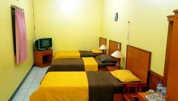 OYO 2625 Pondok Penginapan Patradisa Bandung - Suite Triple Regular Plan