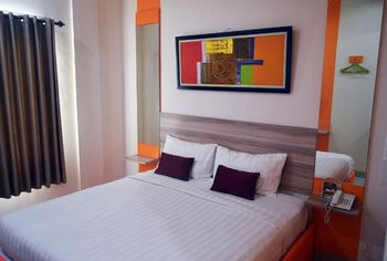 De Whitte Hotel Pekanbaru - Simply Room Regular Plan