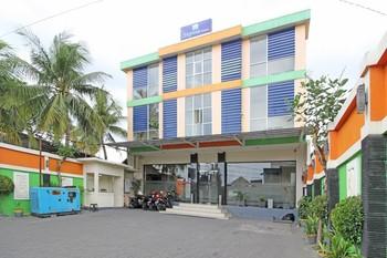 RedDoorz near Station Tugu Jogja