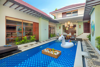 The Vie Villa Bali - Deluxe Room RO Special Offer