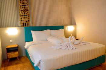 Front One Budget Malang by Azana Malang - Deluxe Room Only SPECIAL DEALS