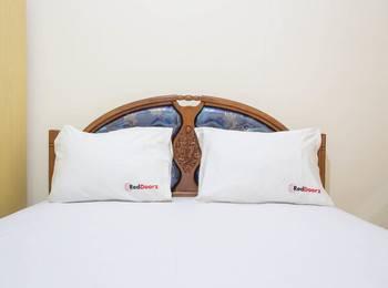 RedDoorz @ Bekasi Timur Bekasi - RedDoorz Room Regular Plan