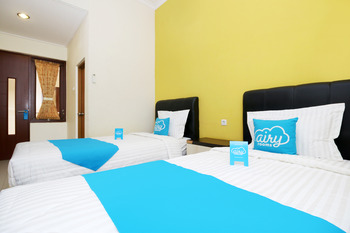 Airy Syariah CSB Garuda Raya 20 Cirebon - Standard Twin Room Only Regular Plan