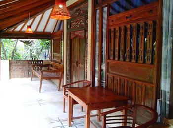 Sapu lidi Resort Hotel Bandung - Suite Room Hot Deals!